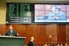 Ulisses discursando na Assembleia